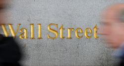 Em NY, Nasdaq anota terceiro recorde seguido; Dow Jones e S&P 500 recuam